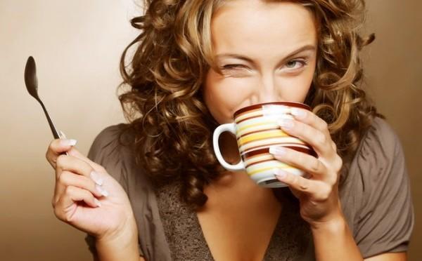 Thưởng thức ly cà phê ngon