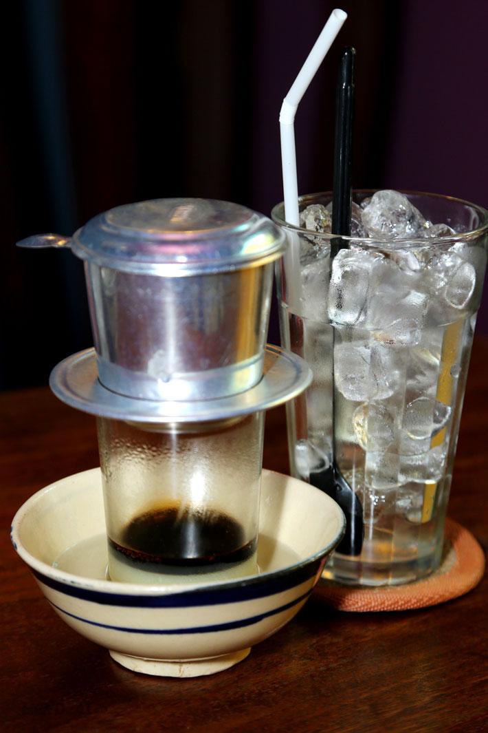 Cà phê buổi sáng