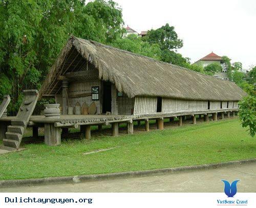 Nhà dài truyền thống người Ê Đê